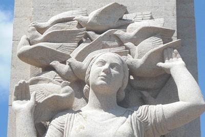 monument pigeons voyageurs lille